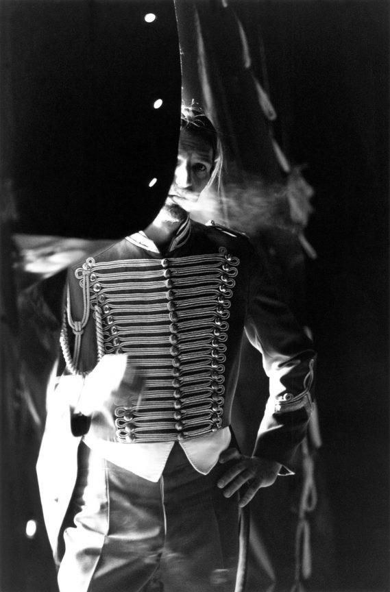 The Smoker, 2001 © Loredana Nemes