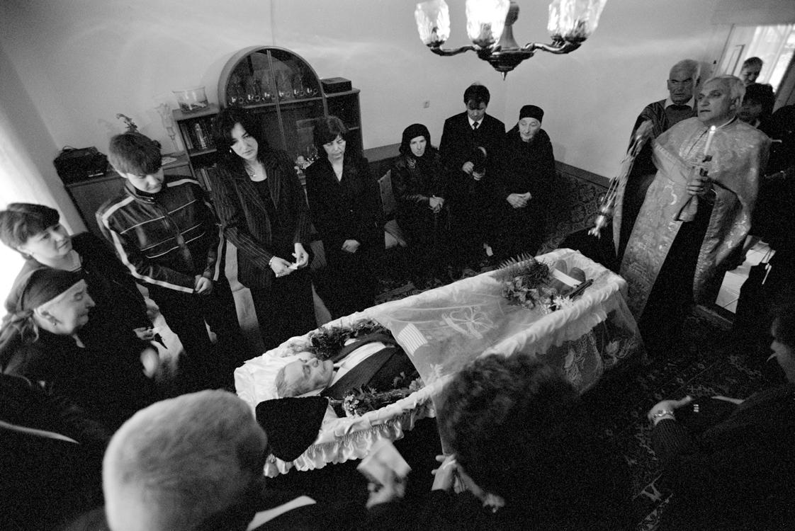 Im Totenzimmer, 2006 © Loredana Nemes