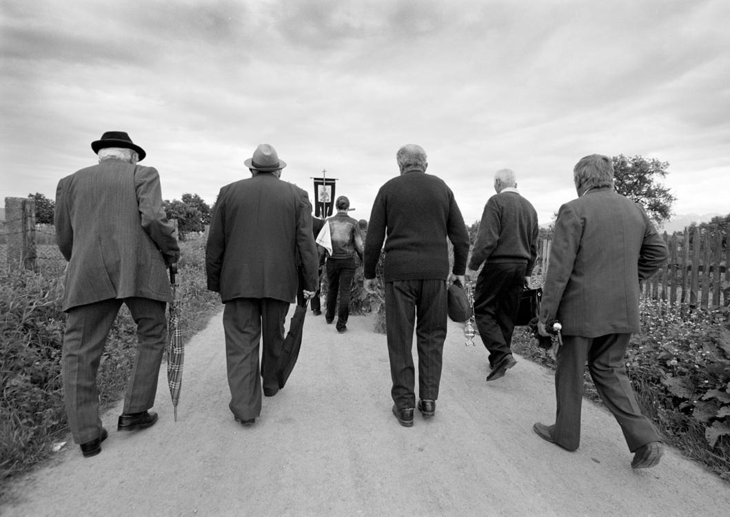 Unterwegs zum Grab, Arpasul de Jos, 2006 © Loredana Nemes
