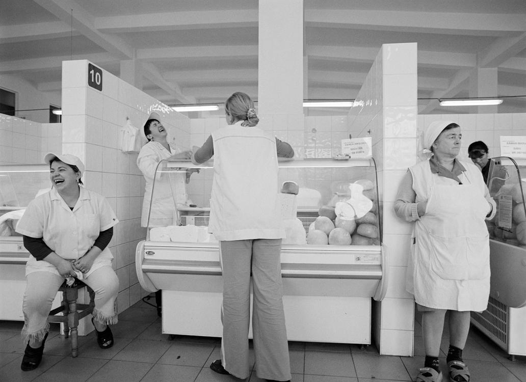 Käseverkäuferinnen, 2006 © Loredana Nemes