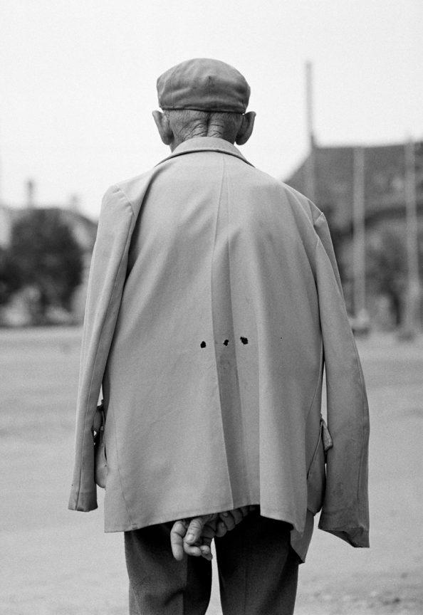 Mann mit Mütze, 2004 © Loredana Nemes