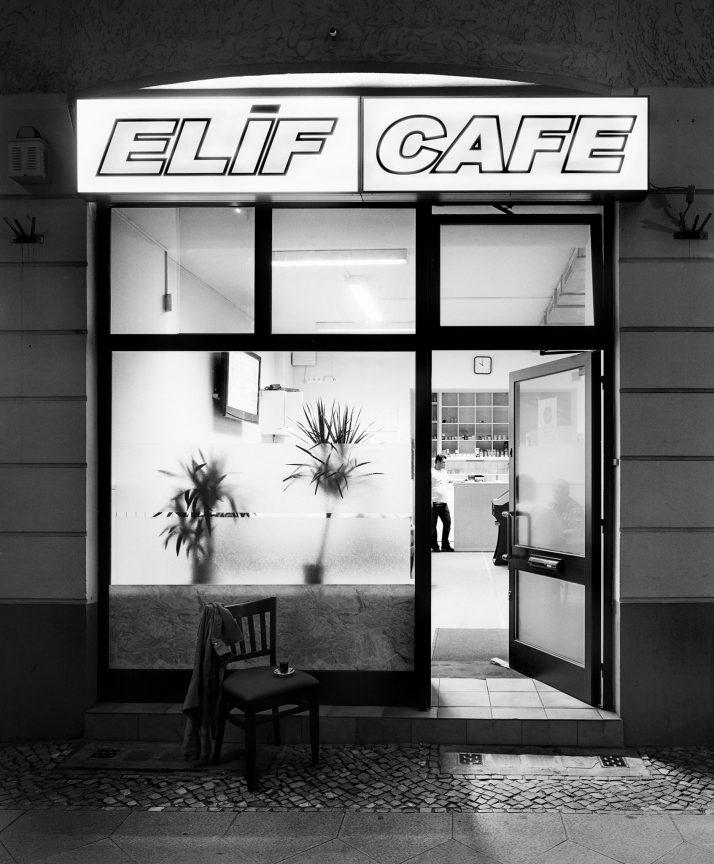 Elif Café, Neukölln, 2010 © Loredana Nemes